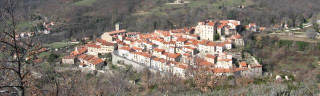 mosset-village-classe-66.jpg